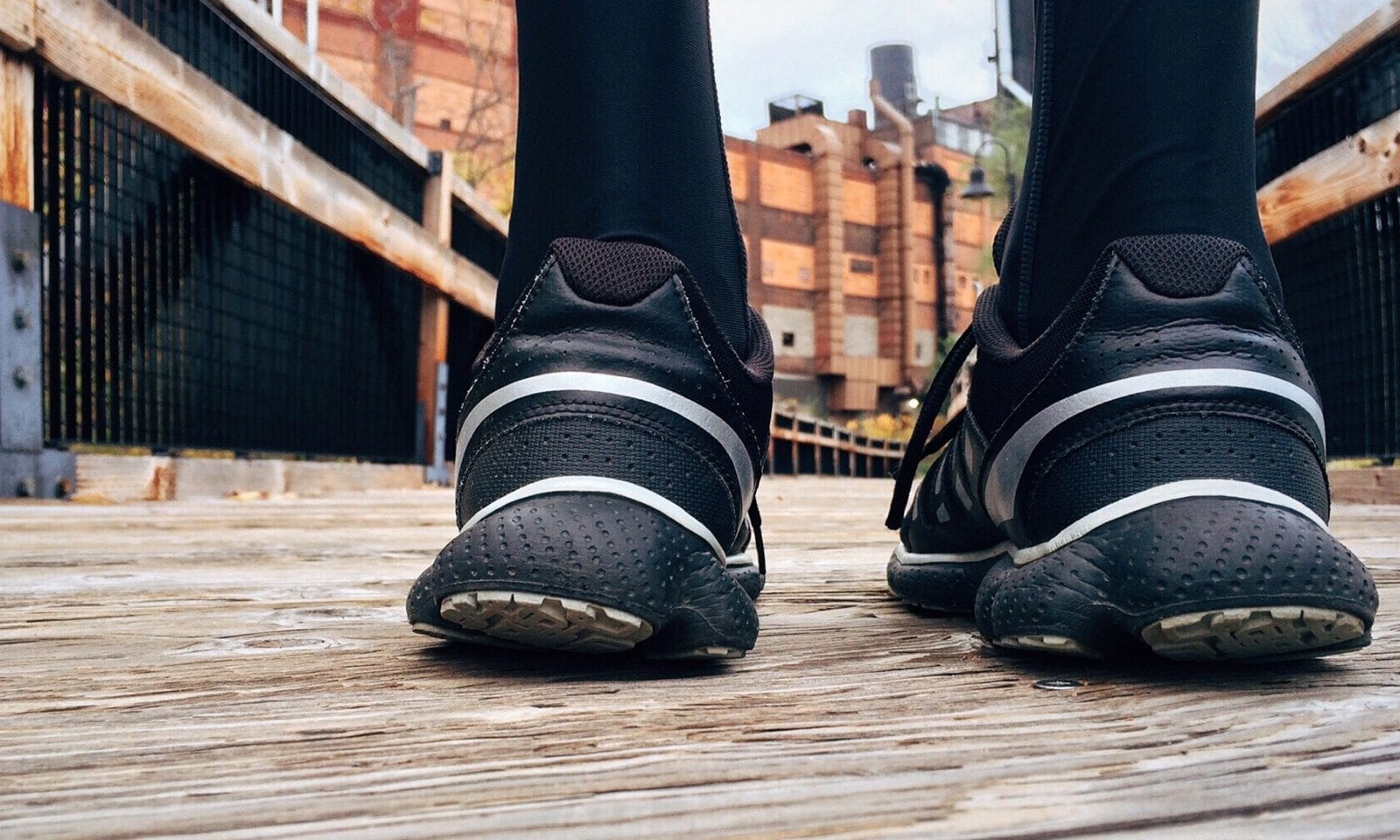 9eb373dd50 10 Best Arch Support Shoes in 2019 [Review & Guide] - ShoeAdviser