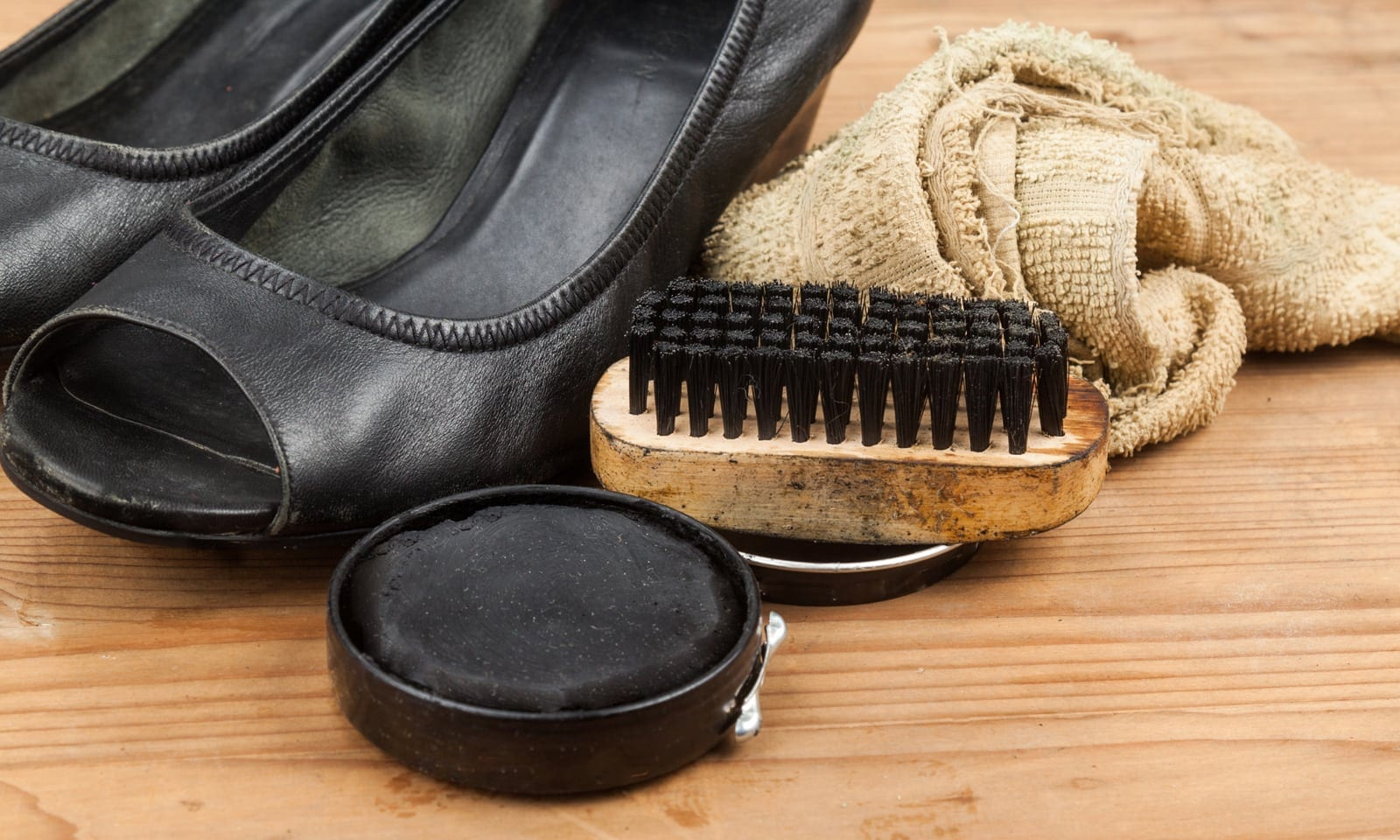 a50cdb34c39 It allows your shoe to breath. Cream shoe polish is one of the best to give  your shoe the nourishment and shine you are looking for.