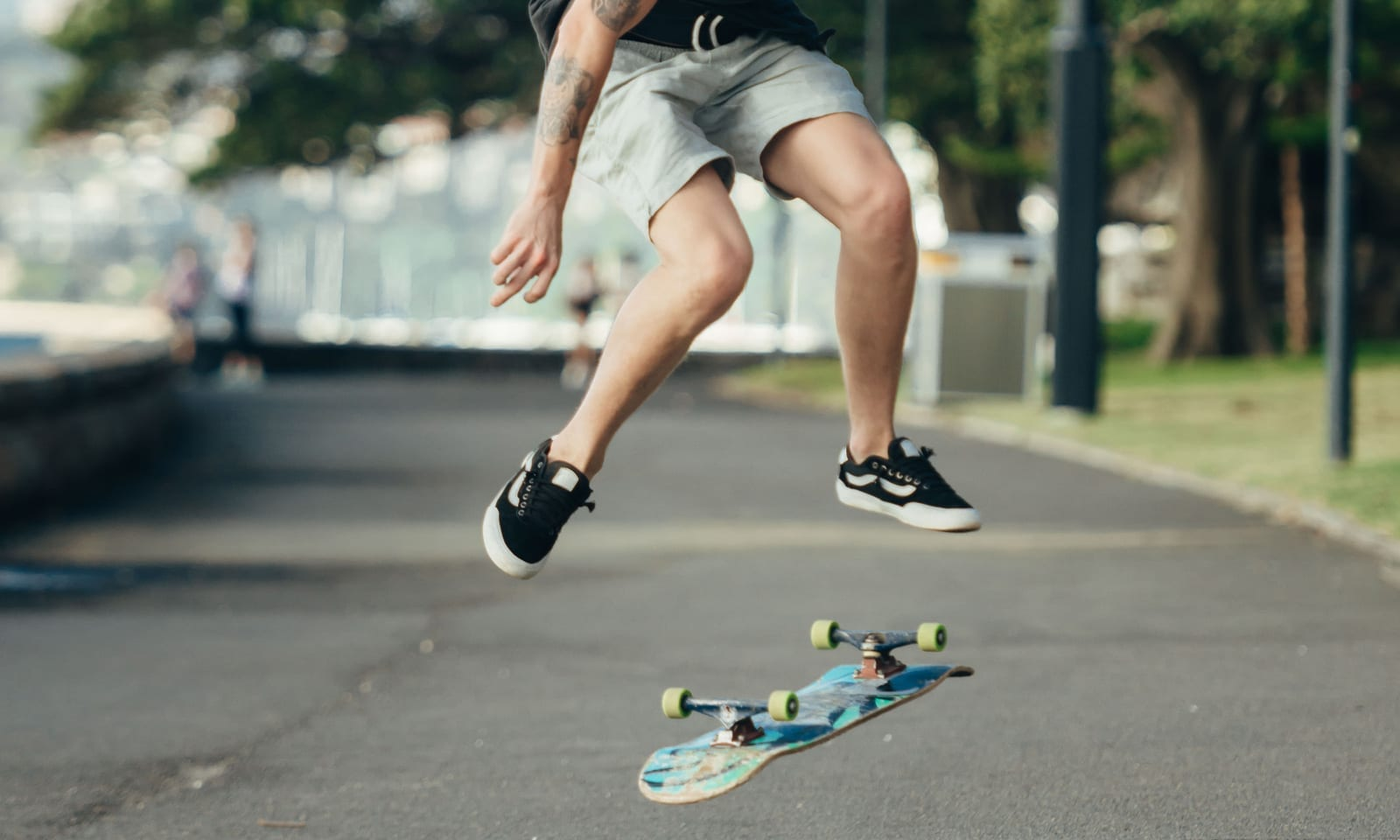skate-shoes-image-1