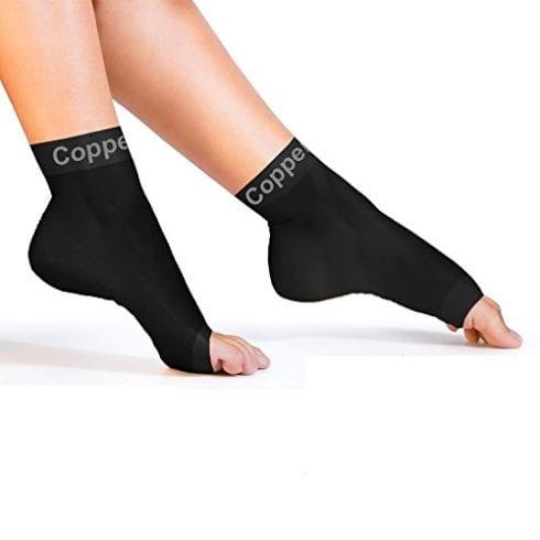 Медные поддерживающие носки при подошвенном фасциите